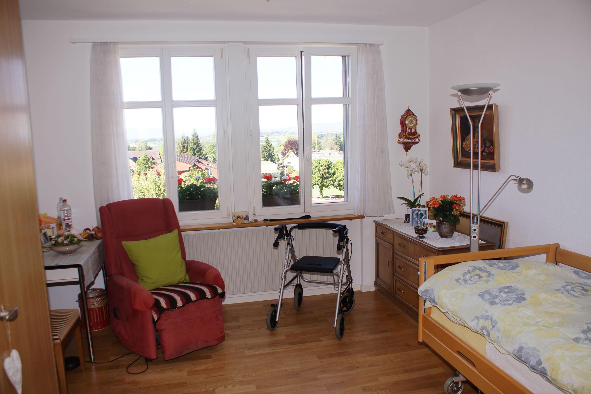 zimmer wohnen im wohn und alterszentrum neuhof pf ffikon zh wohn und alterszentrum neuhof. Black Bedroom Furniture Sets. Home Design Ideas